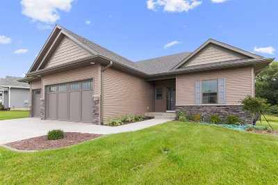 Iowa City Single Family Home For Sale: 4886 Preston Ln
