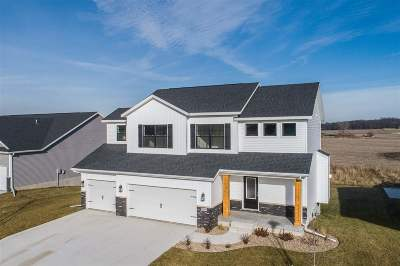 Johnson County Single Family Home For Sale: 1005 Grouse