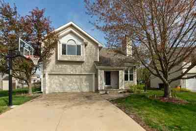 Cedar Rapids Single Family Home For Sale: 5002 N Willowbend Rd. NE