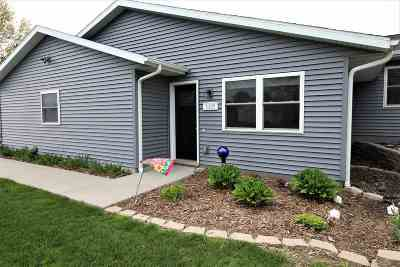 Washington IA Condo/Townhouse For Sale: $199,900