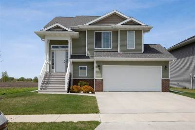 Iowa City Single Family Home For Sale: 2911 Whispering Meadows