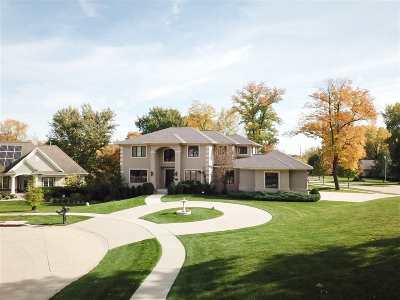Cedar Rapids Single Family Home For Sale: 6606 Cottage Hill Ct NE