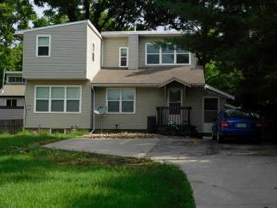 Iowa City IA Multi Family Home Contingent: $212,000