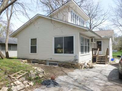 Iowa City Single Family Home For Sale: 820 Hudson Ave