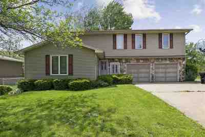 Coralville Single Family Home New: 1441 Valley View Dr