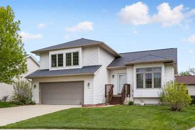 Coralville Single Family Home For Sale: 10 Ambrose Ct