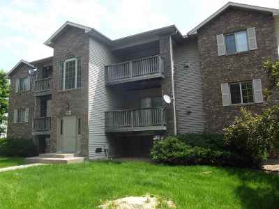 Coralville Condo/Townhouse For Sale: 2864 Coral Court #302