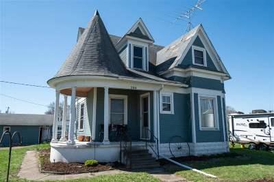 Washington County Single Family Home For Sale: 208 E Wyman St