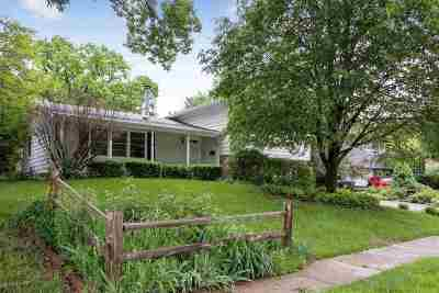 Iowa City IA Single Family Home For Sale: $245,000