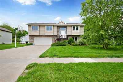 Coralville Single Family Home For Sale: 31 Chad Ct