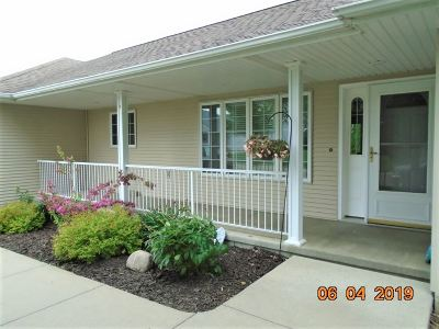 Cedar County Single Family Home For Sale: 106 Cottage Drive