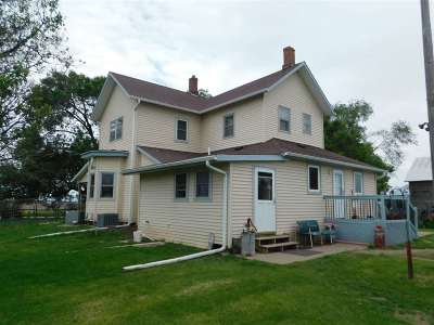 Cedar County Single Family Home For Sale: 1666 Spicer Ave