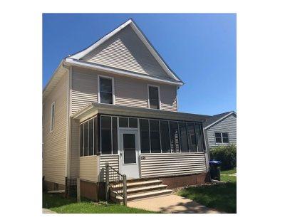 Iowa City Multi Family Home New: 620 Church St