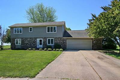 North Liberty IA Single Family Home New: $299,000