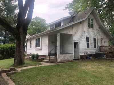 Cedar Rapids Single Family Home For Sale: 3323 C Ave NE