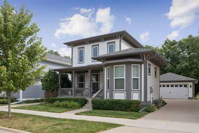 Iowa City Single Family Home New: 640 Walker Cir