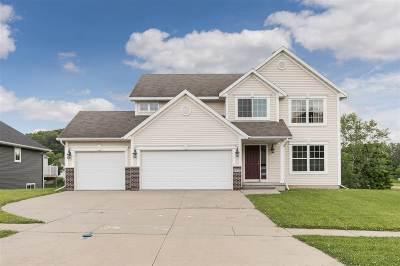 Cedar Rapids Single Family Home For Sale: 3918 Oak Ridge Dr SE