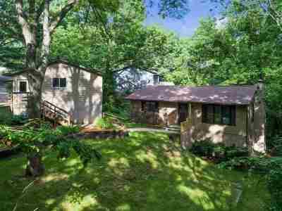 North Liberty Single Family Home For Sale: 3742 Pine Ridge NE