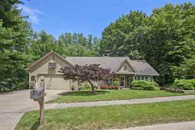 Iowa City Single Family Home For Sale: 618 Stuart Ct