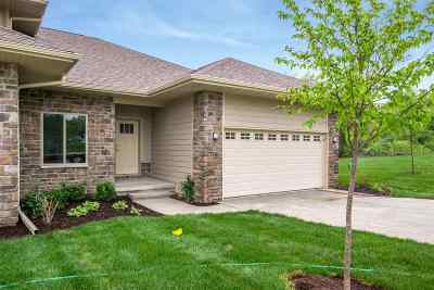 Coralville Condo/Townhouse New: 17 Holiday Ridge Ln