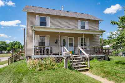 Muscatine County Single Family Home New: 419 Evans St