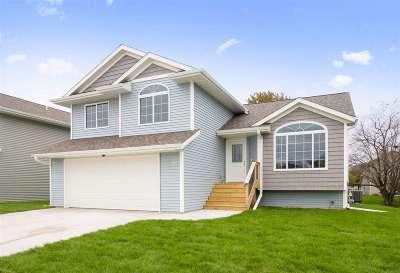 Johnson County Single Family Home New: 1451 Terrapin Dr