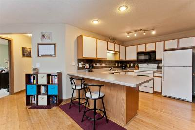 North Liberty Condo/Townhouse New: 120 Shannon Dr #5