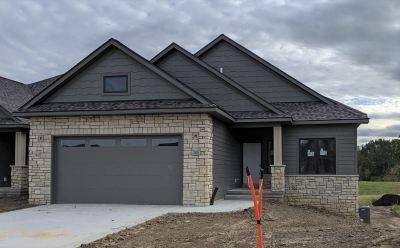 Coralville IA Condo/Townhouse New: $364,900