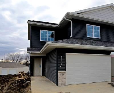 Cedar Rapids Condo/Townhouse For Sale: 1325-A Grant Court NE