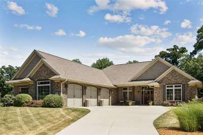Johnson County Single Family Home For Sale: 1650 Redbud Circle