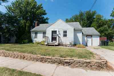 Iowa City IA Single Family Home For Sale: $190,000