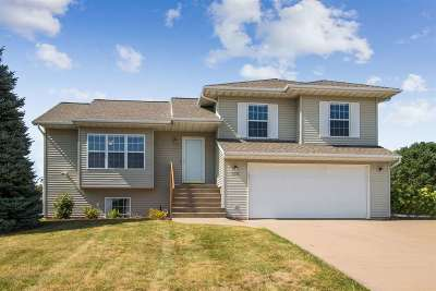 Coralville Single Family Home For Sale: 2131 Generry Ct