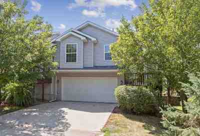 Johnson County Condo/Townhouse For Sale: 905 Twilight Dr.