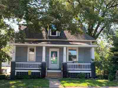 Cedar Rapids Single Family Home For Sale: 1101 12th St. NE