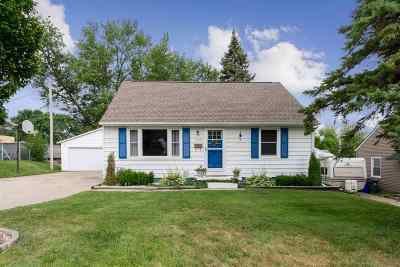 Cedar Rapids Single Family Home For Sale: 2158 Chandler St SW