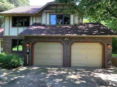 Cedar Rapids Single Family Home For Sale: 2600 Alpine Ct