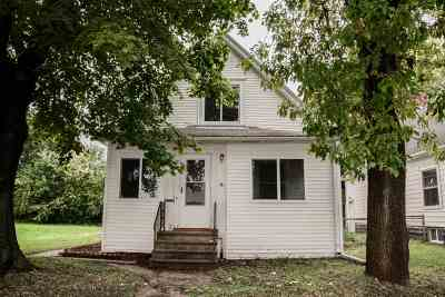 Cedar Rapids Single Family Home For Sale: 916 6th Street SW