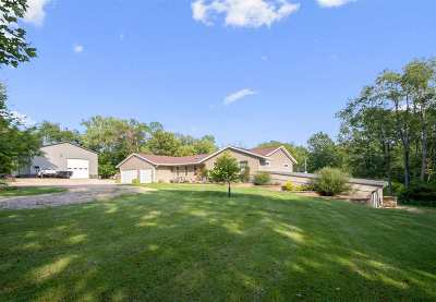 Johnson County Single Family Home For Sale: 1576 Bramblewood Drive NE