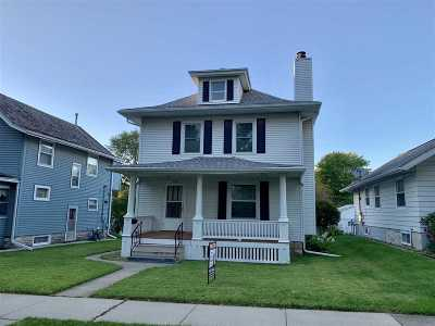 Cedar Rapids Single Family Home For Sale: 1326 Burch Avenue NW