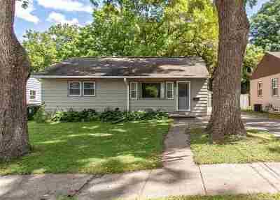 Johnson County Single Family Home For Sale: 656 S Lucas St