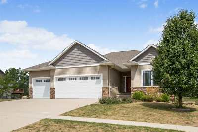 North Liberty Single Family Home For Sale: 1690 Stone Creek Circle