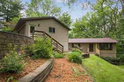 North Liberty Single Family Home New: 3742 Pine Ridge NE