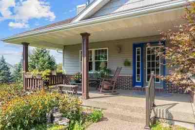 Johnson County Single Family Home New: 3083 Buchmayer Bend NE