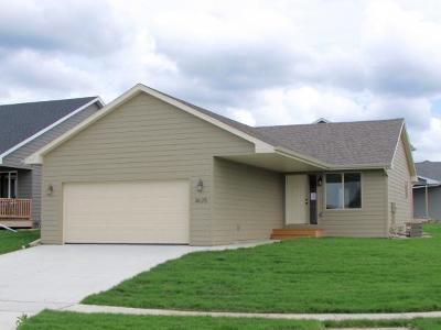 Spirit Lake Single Family Home Active Contingent: 3625 Keokuk Avenue