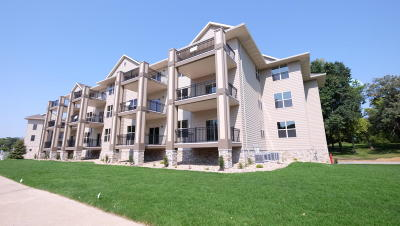 Arnolds Park Condo/Townhouse For Sale: 213 Hwy 71 S #A103