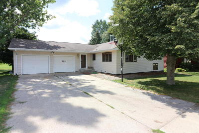 Spencer Single Family Home For Sale: 1831 Grand Plaza Drive