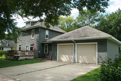 Graettinger IA Single Family Home For Sale: $57,250