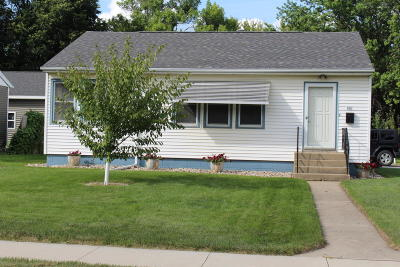 Spencer IA Single Family Home Active Contingent: $109,900