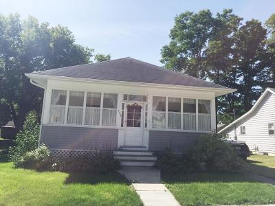 Spirit Lake Single Family Home For Sale: 509 Lake Street