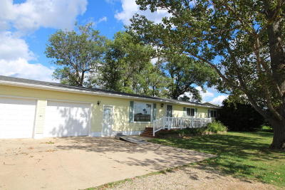 Estherville Single Family Home For Sale: 3634 Highway 9